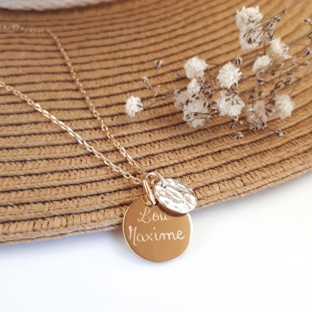 Collier personnalisé en plaqué or - Petite médaille ronde gravée et mini rond martelé