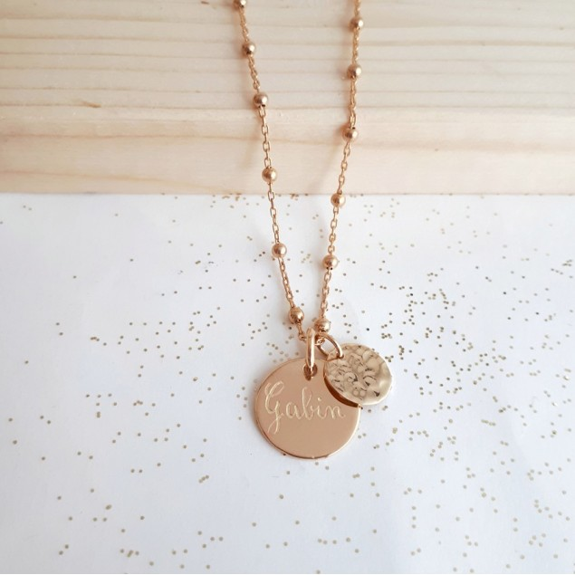 Collier boule personnalisé en plaqué or - Petite médaille ronde gravée et mini rond martelé