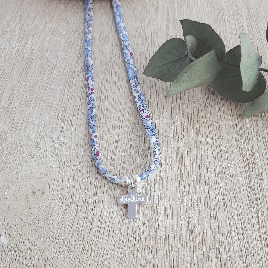 Molly Brown London Bracelet de Communion avec des croix