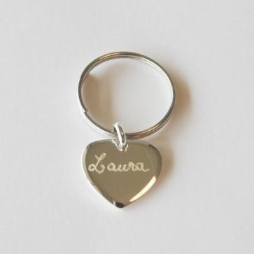 Porte clés petit coeur gravé