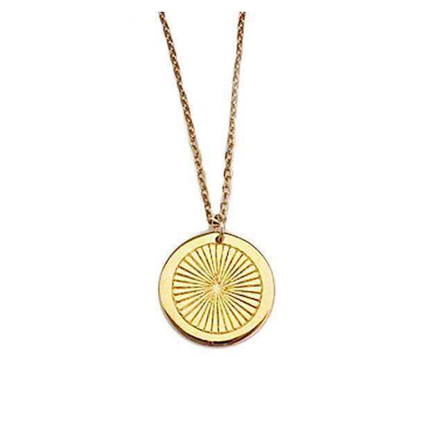 Collier médaille soleil plaqué or jaune gravée